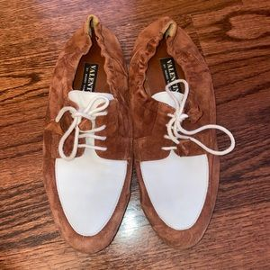 VINTAGE VALENTINO LACEUP SADDLE STYLE SHOES!